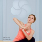 Melanie Lora Meltzer MyYogaWorks online yoga Photo by Fluid Frame